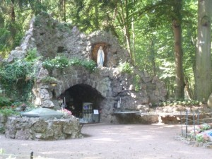 grotte de lourdes widensolen
