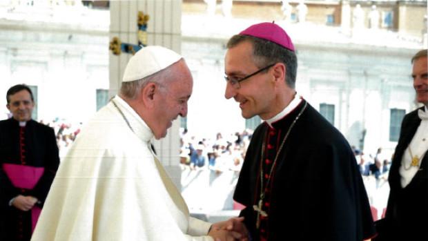 pape-francois-et-mgr-dollmann
